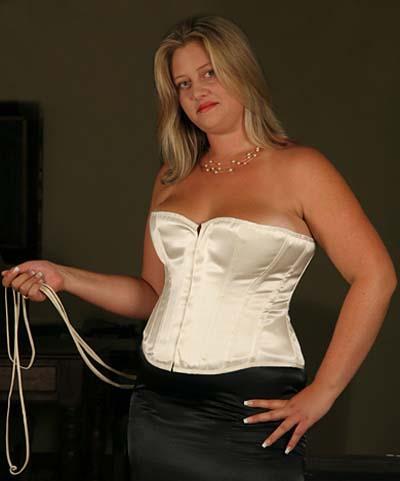 corset de mariage pour femme ronde en satin ivoire epura corset de mariage en grande taille. Black Bedroom Furniture Sets. Home Design Ideas